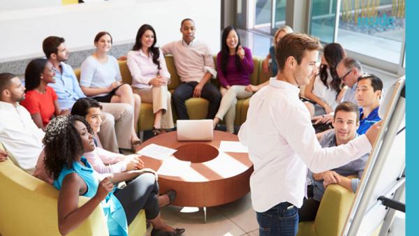 reunião para montar uma equipe de vendas de sucesso